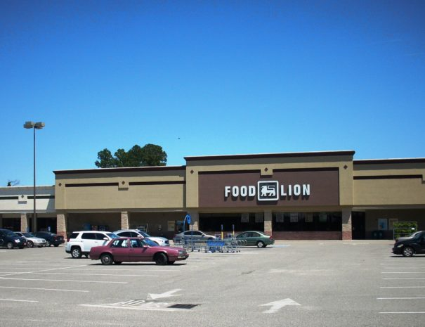 Food Lion Marion Front of Store Latest Picture Cropped